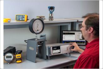 6270A Pressure Controller Calibrator, calibrating a dial gauge